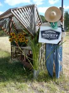 Bounty of Benton County Scarecrow Sign